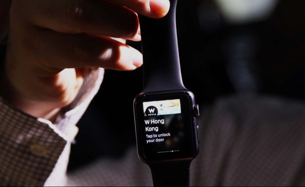 The Worst Apple Watch Review You'll Read Today