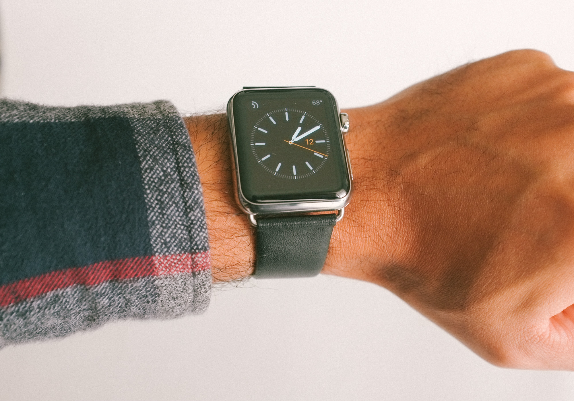 Hands-On with a Replica Apple Watch Classic Buckle