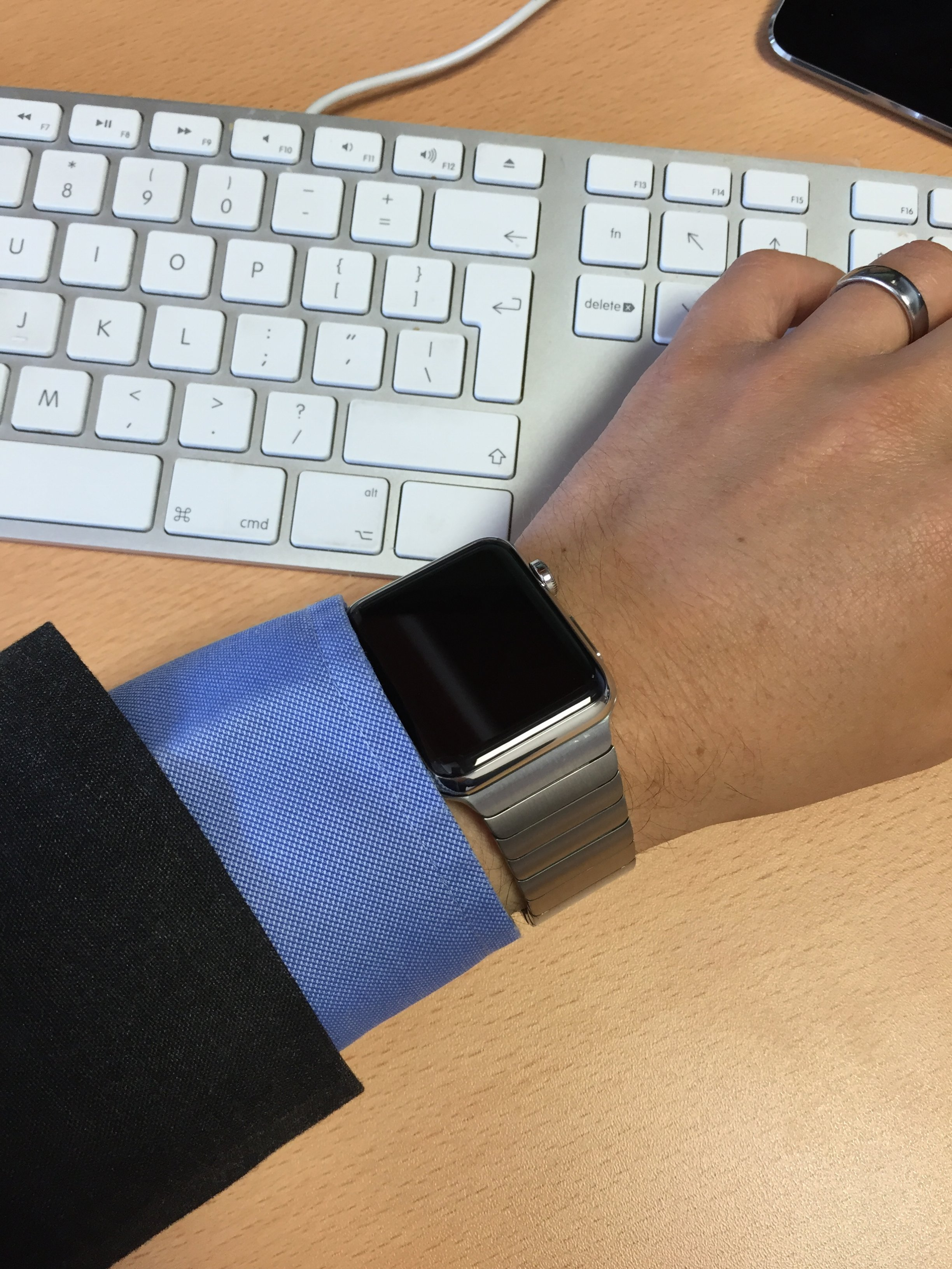 Check Out this Replica Link Bracelet for Apple Watch