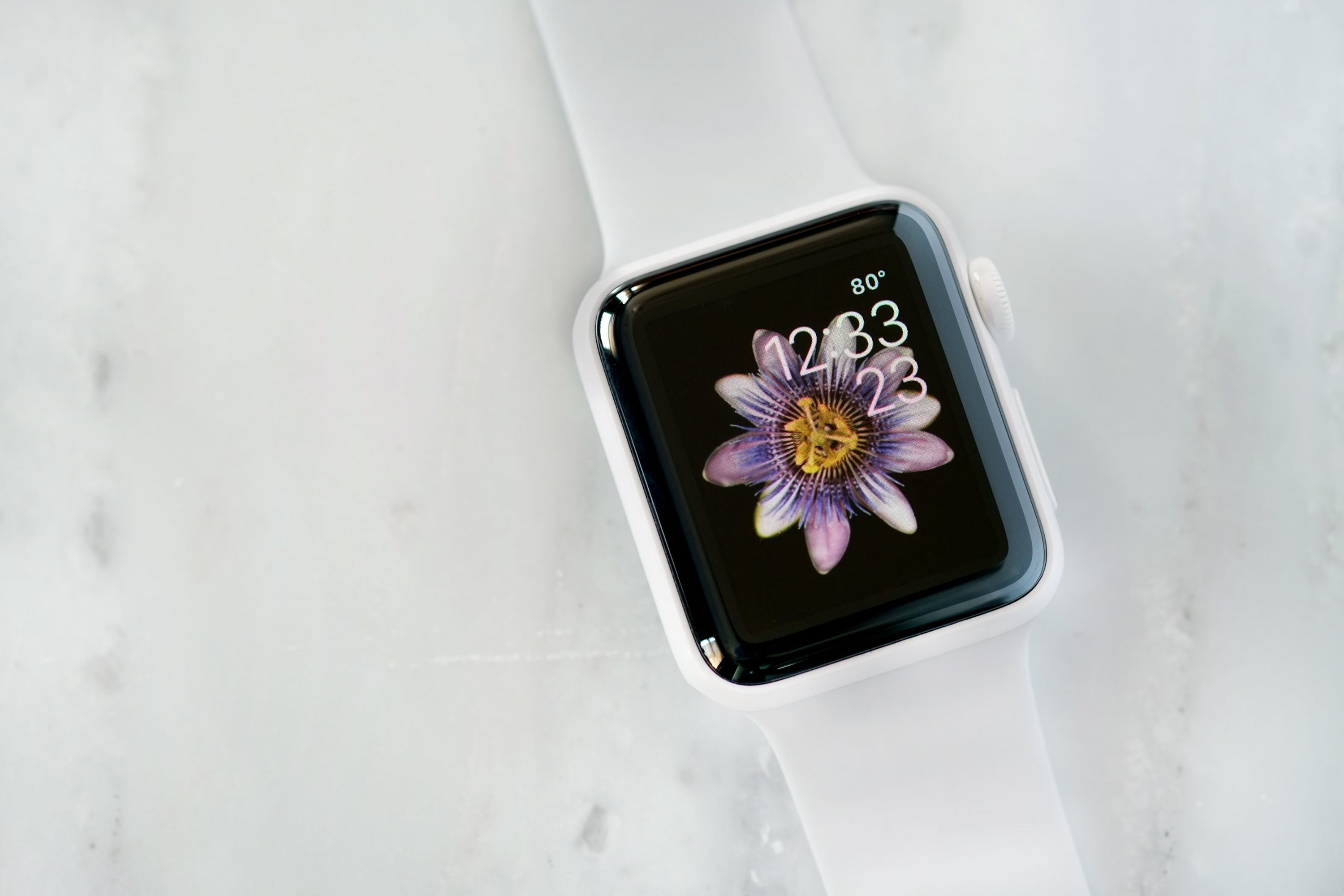"""Hands-On: The White Ceramic Apple Watch Edition (And Some White Ceramic Watch History)"""